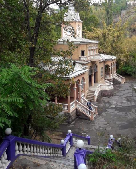 alternative yerevan walking tour